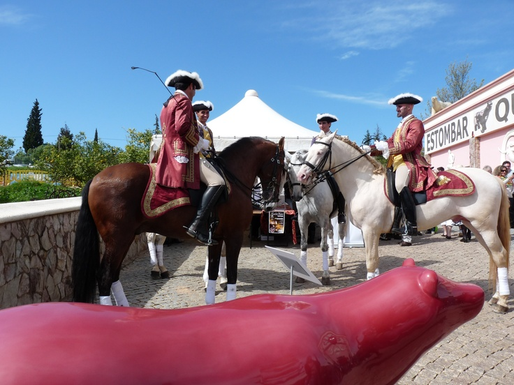 Our event neighbors: Real Picadeiro magnificent horses & Quinta dos Vales Bears.