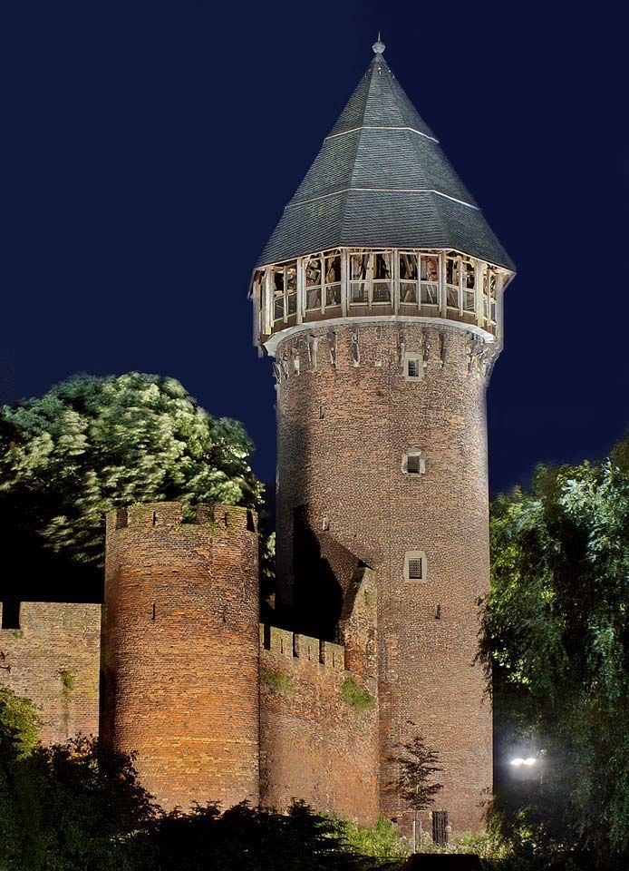 Krefeld, Burg Linn - Germany