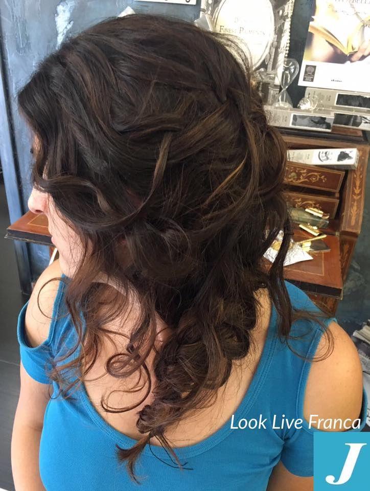 Che piacere acconciare la nostra amica Lorena #looklive #parrucchieraFranca #centrodegradèjoelle #j #capelli #acconciare #tagliopuntearia #50esimo #newlook #wella #longhair #fashion #instragram #work #scicli #occasioni #viadeimirti29 #ragusa