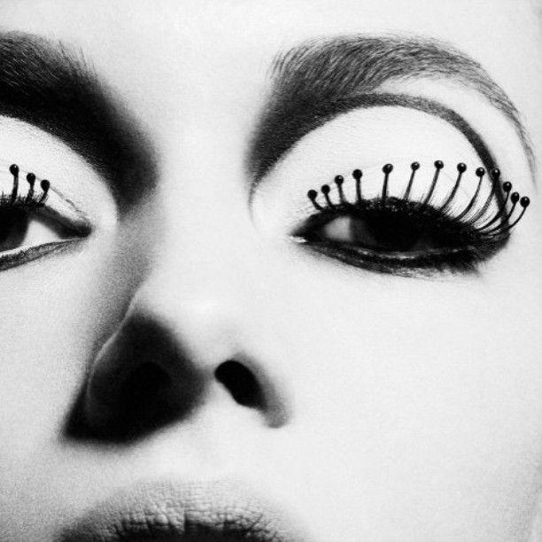 #models #HannahFerguson and #TaylorKraemer by #photographer #SebastianKriete #makeup #RachelMontgomery #mua #makeupartist #beauty #60's #sixtiesmakeup #eyelashes #eyeliner #makeupaddict