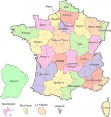 En France, on peut devenir prof des écoles avec 4,17/20de moyenne ! On constate qu'il existe une grande diversité des « seuils d'admission », en fonction des académies. Il est plus facile d'être reçu dans la région parisienne qu'à Rennes... Voici quelques exemples de seuils d'admission, sur 20, pour le concours externe public :