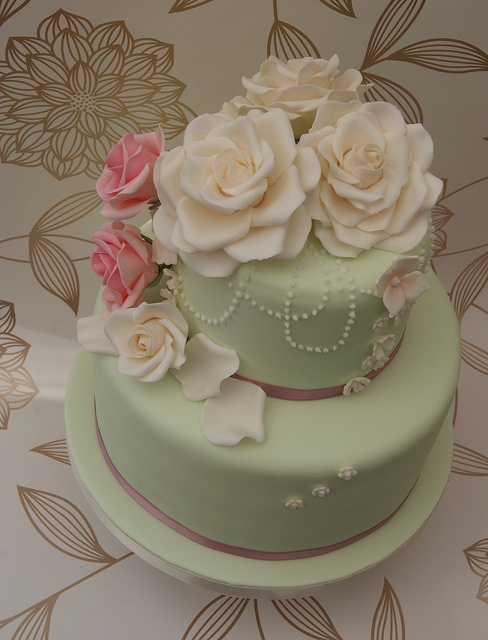 Two Day Wedding Cake Course by Cakes by Occasion, via Flickr
