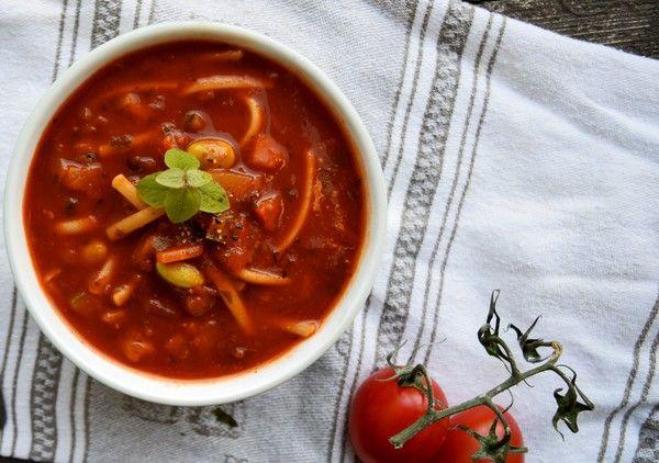 Vegansk minestronesoppa. Lättlagad och vardagsvänlig vegansk mat!