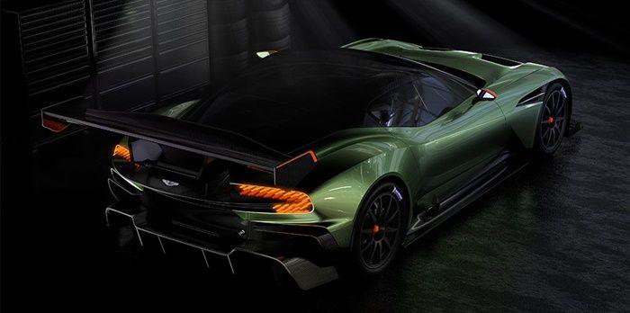 Lüks otomobil üreticileri arasında en bilinenlerden biri olan Aston Martin bir şaheseri piyasaya sürüyor. 2,4 milyon dolarlık fiyatı ile Aston Martin Vulcan otomobil piyasasında büyük ses getirmiş durumda. Aston Martin Vulcan fiyatının yanı sıra özellikleri ile de otomobil tutkunlarını kendine hayran bırakmayı başaracak. 820 beygir güç üretimi, 6 litrelik V12 motoru ve 1,350 kilogramlık ağırlığı …