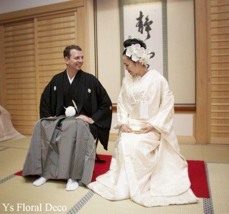 5月に鎌倉の鶴岡八幡宮さんで挙式された新婦さんよりお写真を頂きましたので、ご紹介いたします。 はぁ~、美しいおふたり。白いお着物と、白い胡蝶蘭の髪飾り。...