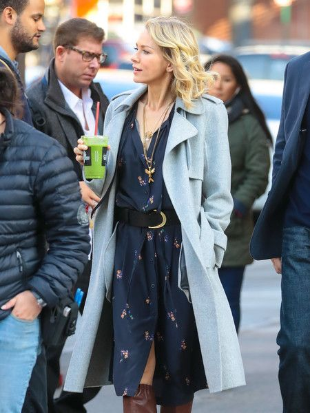 Naomi Watts Photos Photos - Naomi Watts and Billy Crudup are seen on the set of 'Gypsy' on November 2, 2016. - Naomi Watts on the Set of 'Gypsy'