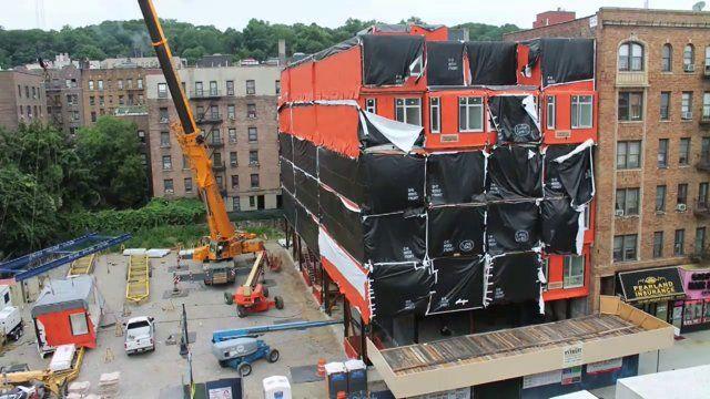 28 Módulos independientes hicieron falta para la creación de un edificio de siete plantas en New York. #EstudioDReam #Viviendas #ViviendasPrefabricadas #ViviendaPrefabricada #SistemaPrefabricado #PrefabricatedHouse #Prefabricacion #CasaPrefabricada #CasasPrefabricadas #ViviendasModulares #ViviendaModular #CasaModular #CasasModulares #ArquitecturaModular #ArquitecturaModerna #ViviendasEconomicas #ArquitecturaSigloXXI #ArquitecturaEstudioDReam #Modulos #Modular #ModularArchitecture #ModularArt