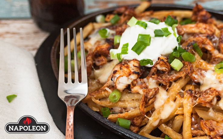 Super Loaded Buffalo Chicken Cheesy Fries #bbq #gameday #napoleongrill