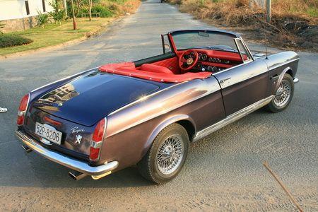"""PEUGEOT 404 coupé """"LaTiNa PrOjEcT""""  Vol 2  >> - Page 10 5ce5728825a748704972c76a6697523d"""