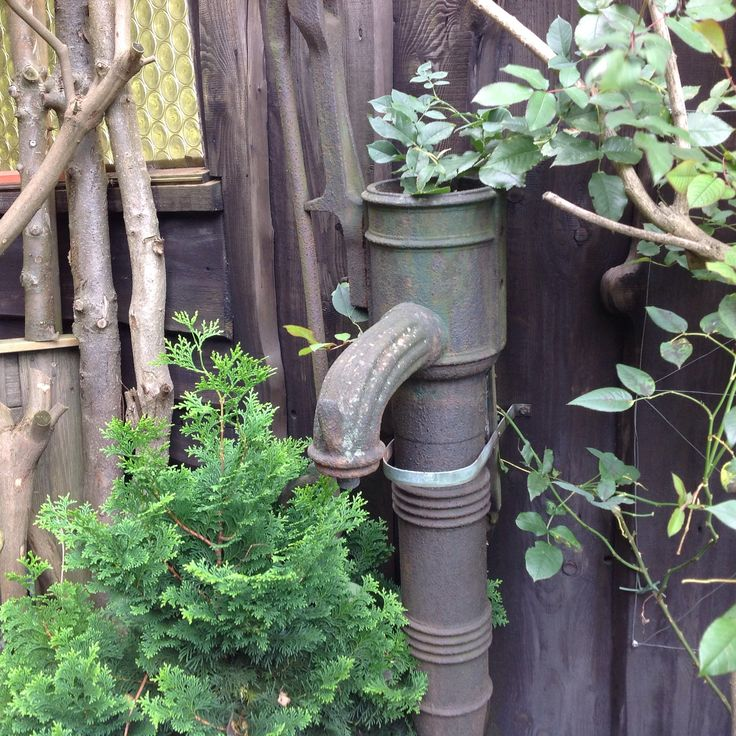 Oude waterpomp, uit vervlogen tijden