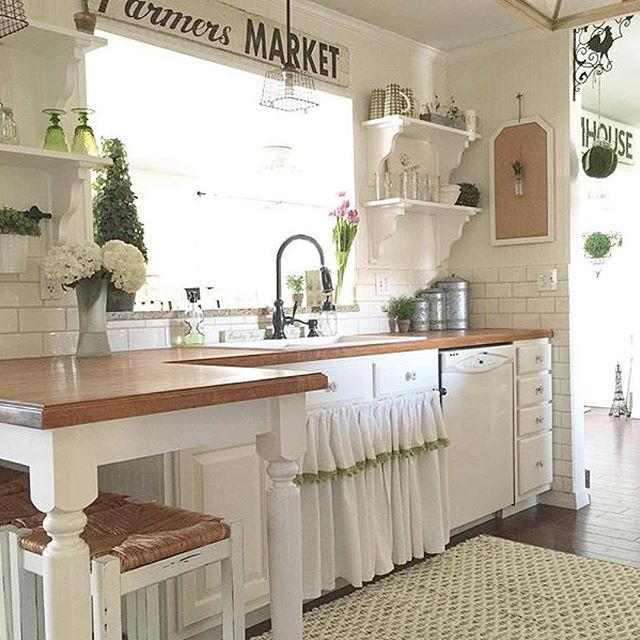 I am completely charmed by this darling kitchen of Terri's @simplyfrenchmarket ! Her whole house is filled with French cottage charm that it was seriously hard to choose one photo to share!! Go on over and take a look for yourself and you will be charmed too! #followfriday #onetofollow . . .#myfavpicfriday#fabfindfriday #frenchcountry#frenchcottage#cottagestyle #farmhousestyle #farmhousedecor #homeinspo#homestyling#interiordesign #kitchen #kitchendesign #farmkitchen #interiorinspo