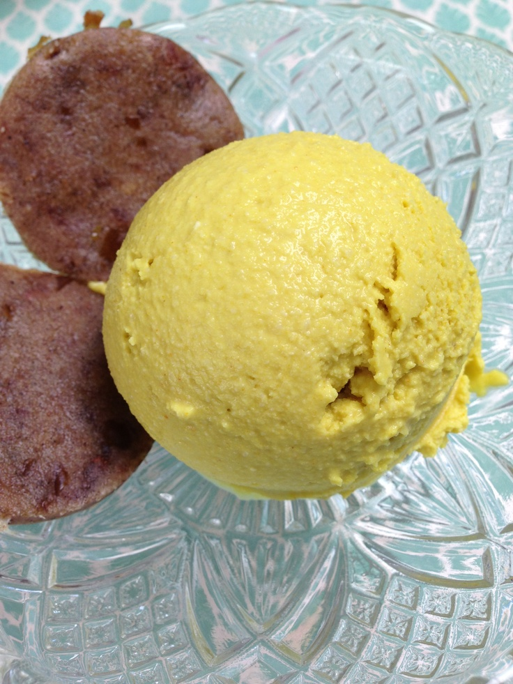 Raw Lemon ICE Cream and Vanilla Kookies