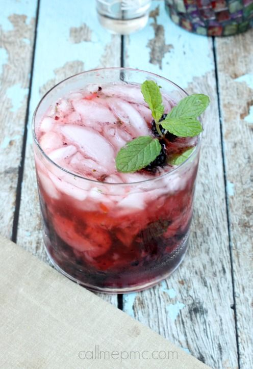 Strawberry Blackberry Vodka Mojito #cocktail #mojito