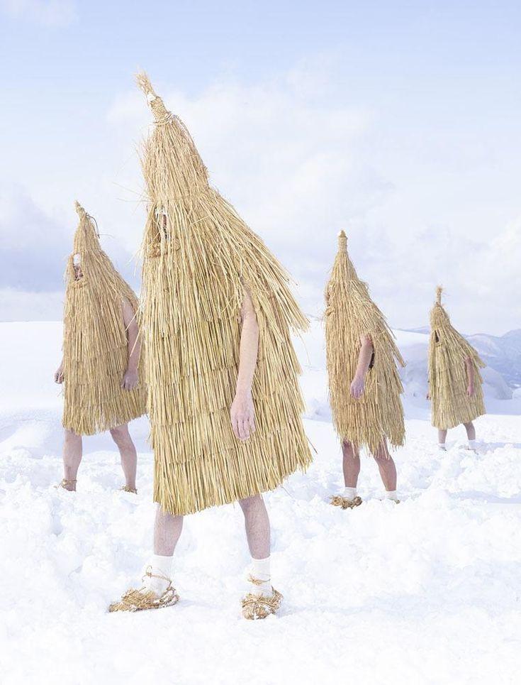 Le photographe français Charles Fréger a passé deux ans à capturer les rituels ruraux japonais. Nous l'avons rencontré pour parler de ses racines paysannes, de mode et de folklore.