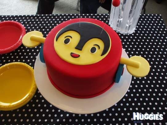 banana cake with buttercream in the buzzy bee theme was my baby boy enzo's first birthday cake in june this year