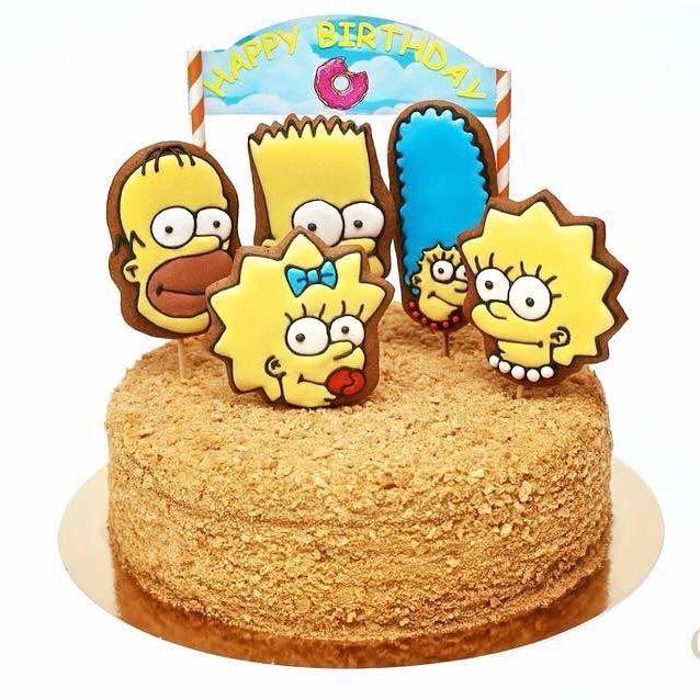 Ароматный медовик для юной любительницы Симпсонов по случаю Дня рождения! 🎂Поздравляем! Пусть жизнь будет яркой, полной приятных сюрпризов и радостных моментов! 🎉 Дарите #сладостидлярадости #медовик #медовик🍰 #тортмедовик #тортназаказкиев #тортназаказ #медовиккиев #пряники #пряникикиев #пряникиукраина #пряникиназаказ #пряникиназаказкиев #имбирныепряники #имбирныепряникиназаказ #корпоратив #корпоративныеподарки #ручнаяработа #домашняявыпечка #торт #киев