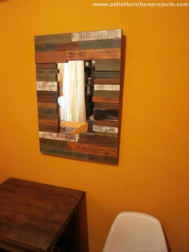 Pallet Wall Mirror
