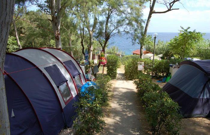 Isola d'Elba, Camping La Sorgente direttamente sul mare a Portoferraio