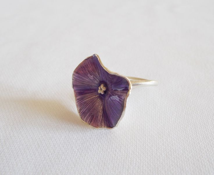 Beautiful engraved silver ring with purple enamel by DRscreationsshop on Etsy