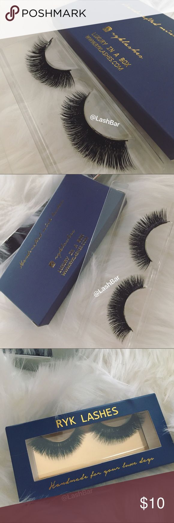 Mink eyelashes fur mink lashes Lilly new Velour 1 Pair full flutter mink lashes Brand new No glue Makeup False Eyelashes