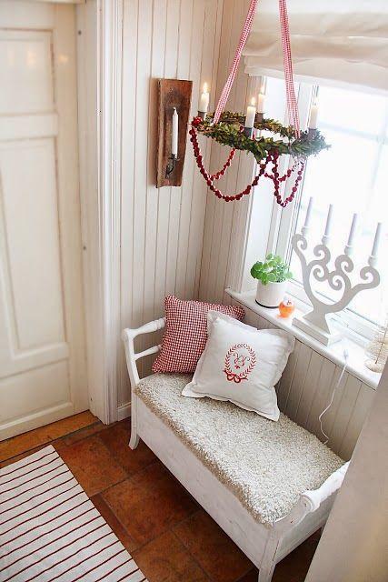 A House With A View. Swedish blog.  Love the candles in the window. ähnliche tolle Projekte und Ideen wie im Bild vorgestellt werdenb findest du auch in unserem Magazin . Wir freuen uns auf deinen Besuch. Liebe Grüße Mimi