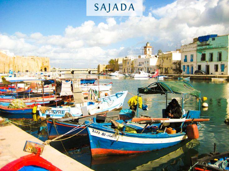 La Tunisie c'est aussi ça... Bizerte, le vieux port et ses bateaux de pêcheurs.   La Tunisie, une bonne idée de voyage pour les vacances, où la mer est bleue et où l'on retrouve un artisanat riche et varié : tapis, fouta, bijoux...