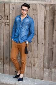 Tendencias Camisas Hombre 2016: Camisas vaqueras (denim) Cómo combinarlas #denim #ideas #tips #tendencias #moda #hombre #chicos #vaquero #vaquera #denim #hombres #chico
