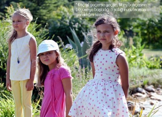 Bir varmış bir yokmuş... diye başlayan masallardaki sevgi dolu, cömert ve neşeli kızın hikayesi Mary kolleksiyonumuzda hayat buldu.  Göz alıcı çiçek baskıları ile etekler, elbiseler, bluzlar ve pantolonlar neşeli ve mutlu kızları bekliyor...  www.lialea.com