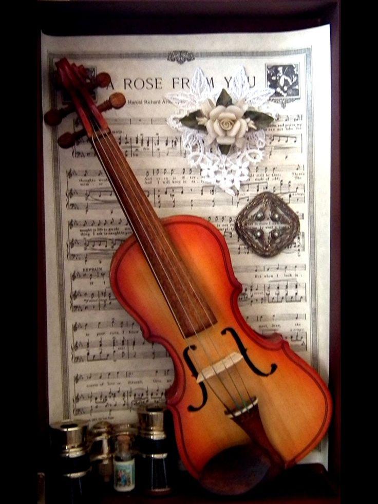 Antique toy violin.