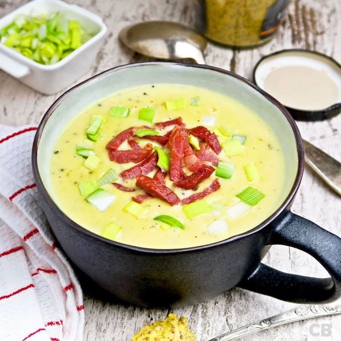 Romige Limburgse mosterdsoep met spekjes. Een makkelijk, snel, goedkoop én vreselijk lekker recept!