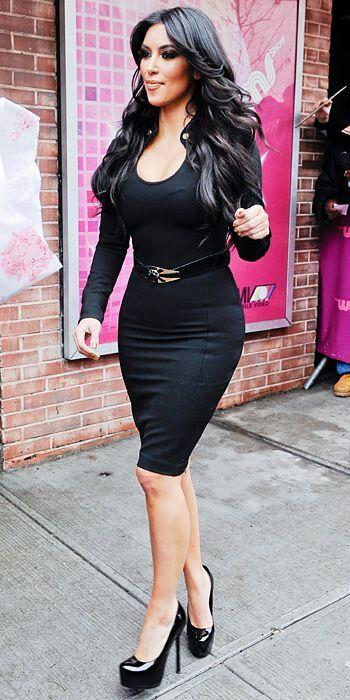 Kim In Black Pencil Skirt ☆khloe Kardashian The Tallest