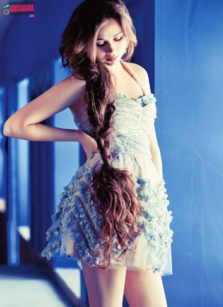 Sasha Agha, no, her hair isn't fake!!