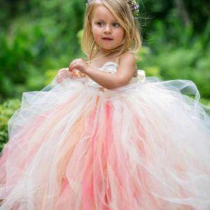 robe-coloree-de-ceremonie-pour-cortege-enfant