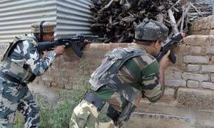 Latest Breaking News ! World News  #Kashmir: Three LeT #militants #killed in encounter with security forces in #Pulwama district  Three LeT #militants were #killed today in an encounter with security #forces in #Kashmir's #Pulwama district.  .....,,,,,,,,,,full story here http://bit.ly/2saua9z   #Latest #Breaking #News ! #Local #Free