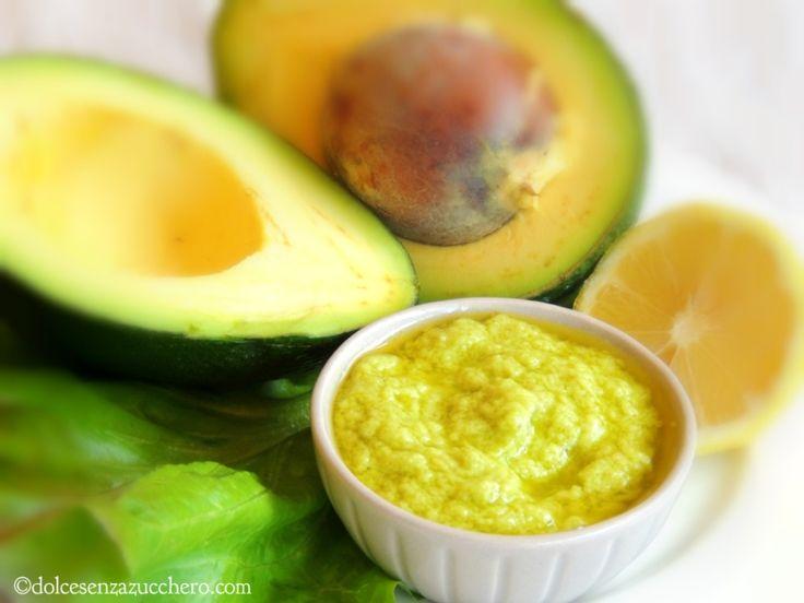 Ricetta maionese di avocado è con indice glicemico basso, vegan, crudista (raw), senza glutine e preparata con ingredienti 100% biologici e naturali.