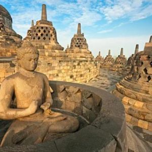 borobudur temple larger temple in the world in Yogyakarta