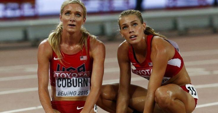 Norte-americanas Emma Coburn (esq.) and Colleen Quigley (dir.) nos 3000m com obstáculos