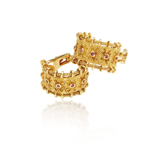 Byzance earrings in 18KT yellow gold and rubies.