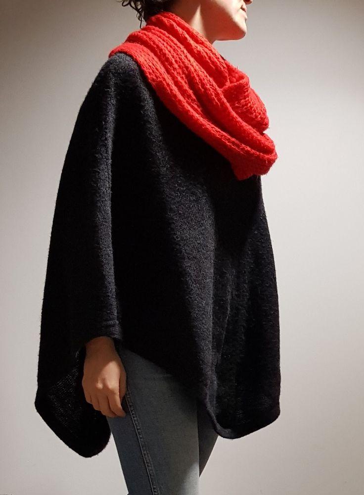 Red wrap-around scarf $15