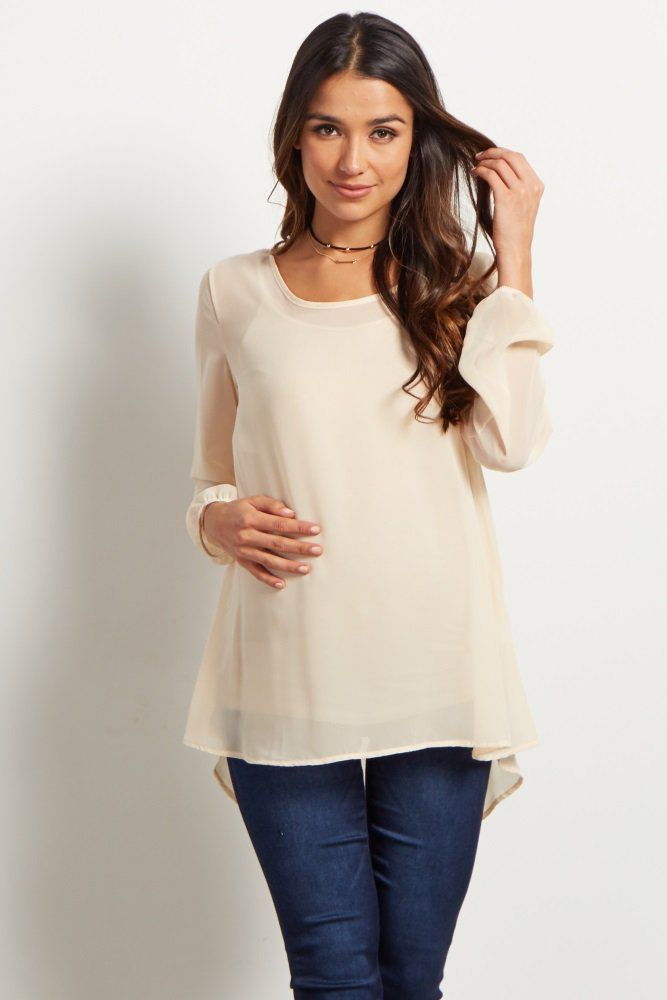 We're loving the versatility and comfort of this flattering top and the solid hue that pairs perfectly with every look. Transition from the office to date night with ease in this gorgeous chiffon maternity blouse.