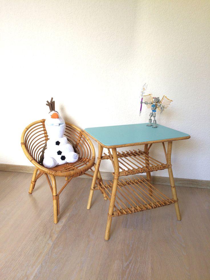 Petite table ou table de chevet vintage en rotin plateau de la boutique lifestyle66 sur Etsy