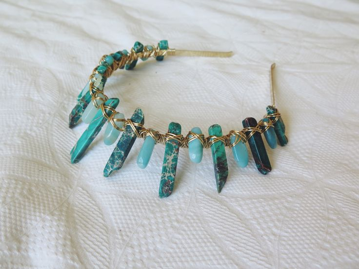 Staggered Sea Sediment Jasper & short Turquoise crown with gold wire