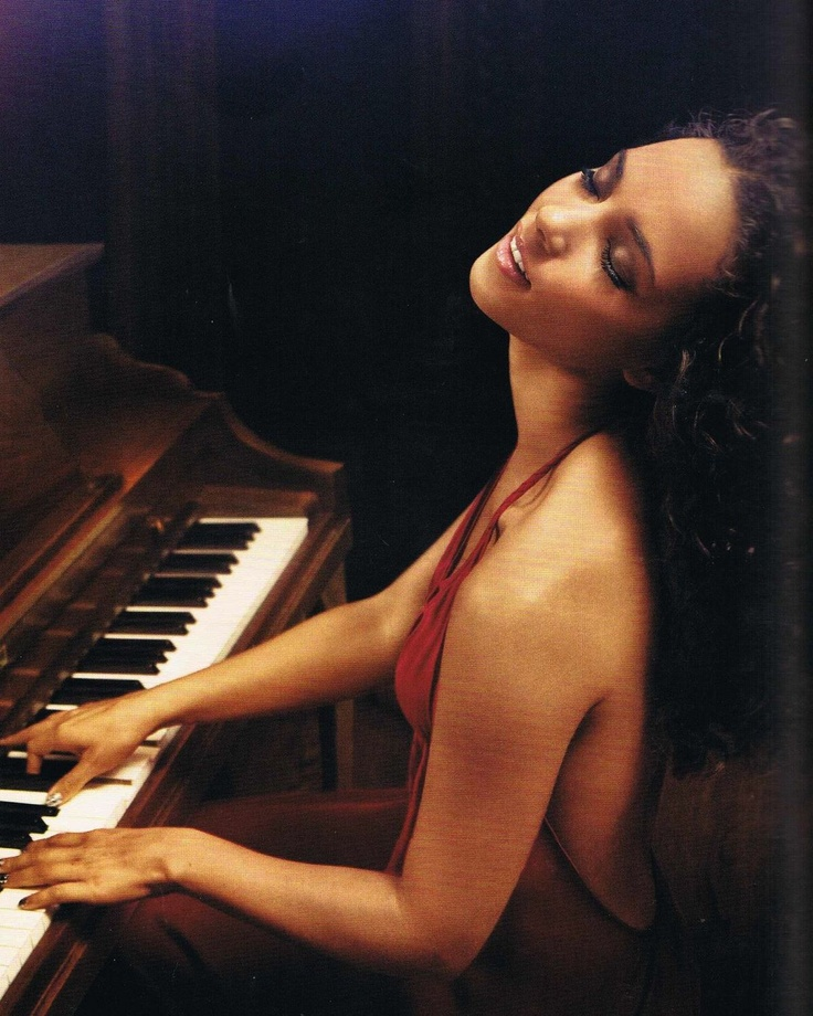 Alicia Keys-Happy birthday- 35 today January 25th
