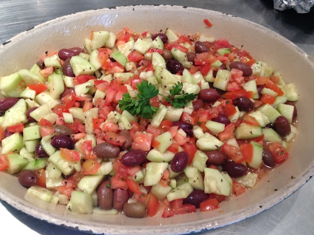 Cucumber Tomato Salad: Diet Fare, Cucumber Tomato Salad, Food Ideas, Family Meals, Favorite Foods, Greek Food, Favorite Recipes, Diddly Umptious