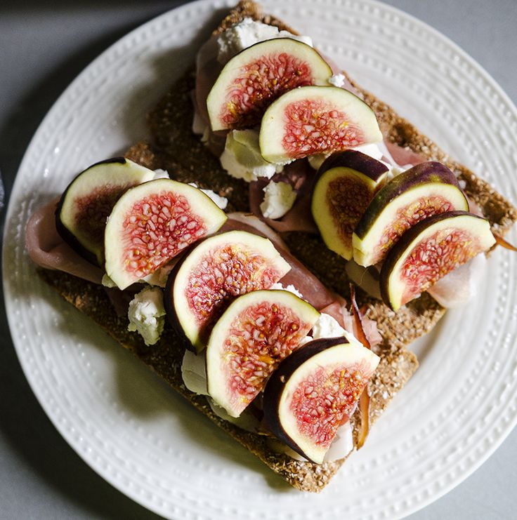 #figs #sandwitch #prosciutto #goatscheese #fresh #breakfast #foodcoaching