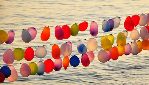 String of balloons for outdoor summer party!