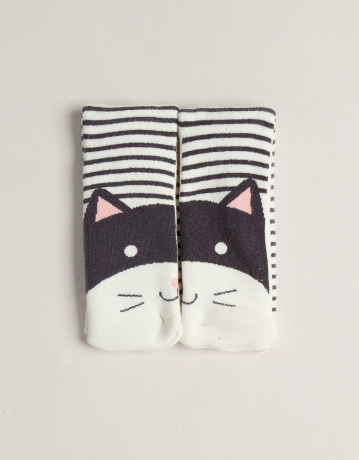 Cat face pattern socks, Oysho.