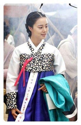 Moon Chae Won  The Princess' Man(Hangul:공주의 남자;hanja:公主의 男子;RR:Gongju-eui Namja) is a 2011 South Korean television series, starringPark Si-hoo,Moon Chae-won,Hong Soo-hyun.It is aperiod dramaabout the forbidden romance between the daughter ofKing Sejoand the son of Sejo's political opponentKim Jong-seo