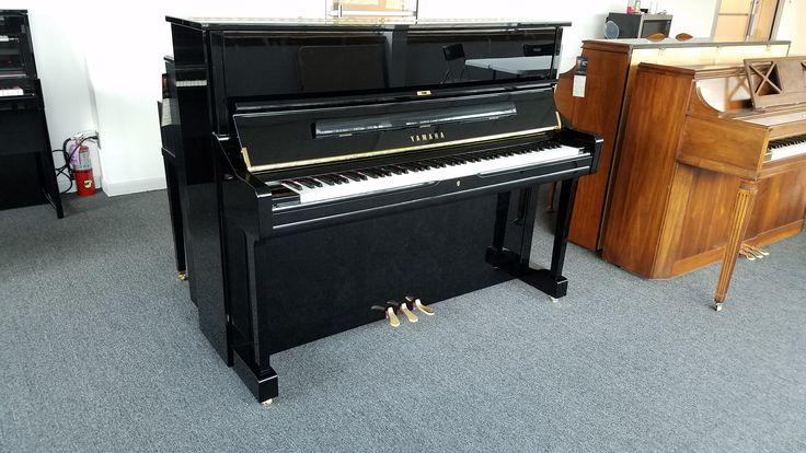 This Yamaha U1, built around 2010, is a professional level upright piano, suitable for professional musicians and teachers.http://www.cunninghampiano.com/look-yamaha-u1-upright-piano-made-2010/