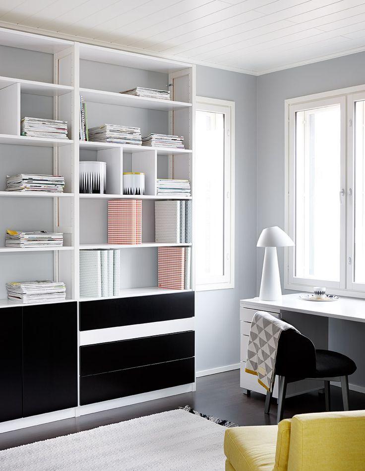 Lundia Classic-hylly, Lundian uusin valaisin sekä Lundian kirjoituspöytä ja laatikosto